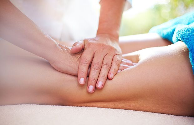 Масажна терапія при болі у коліні
